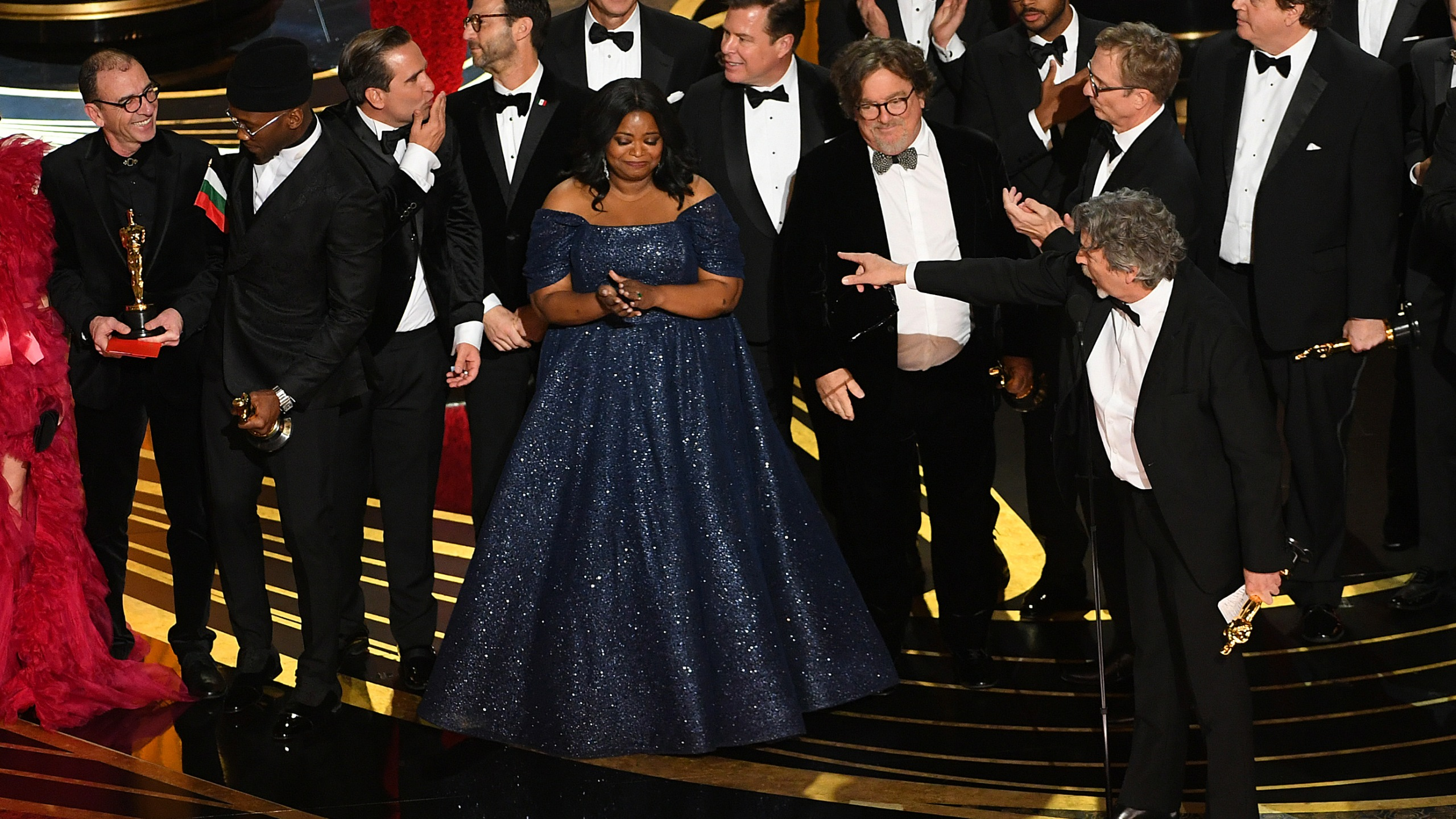 Cast and crew of 'Green Book,' including Linda Cardellini Mahershala Ali, Octavia Spencer, Brian Currie, Charles B. Wessler, Jim Burke, Peter Farrelly, and Nick Vallelonga accept the Best Picture award during the 91st Annual Academy Awards at Dolby Theatre on February 24, 2019 in Hollywood, California. (Credit: Kevin Winter/Getty Images)