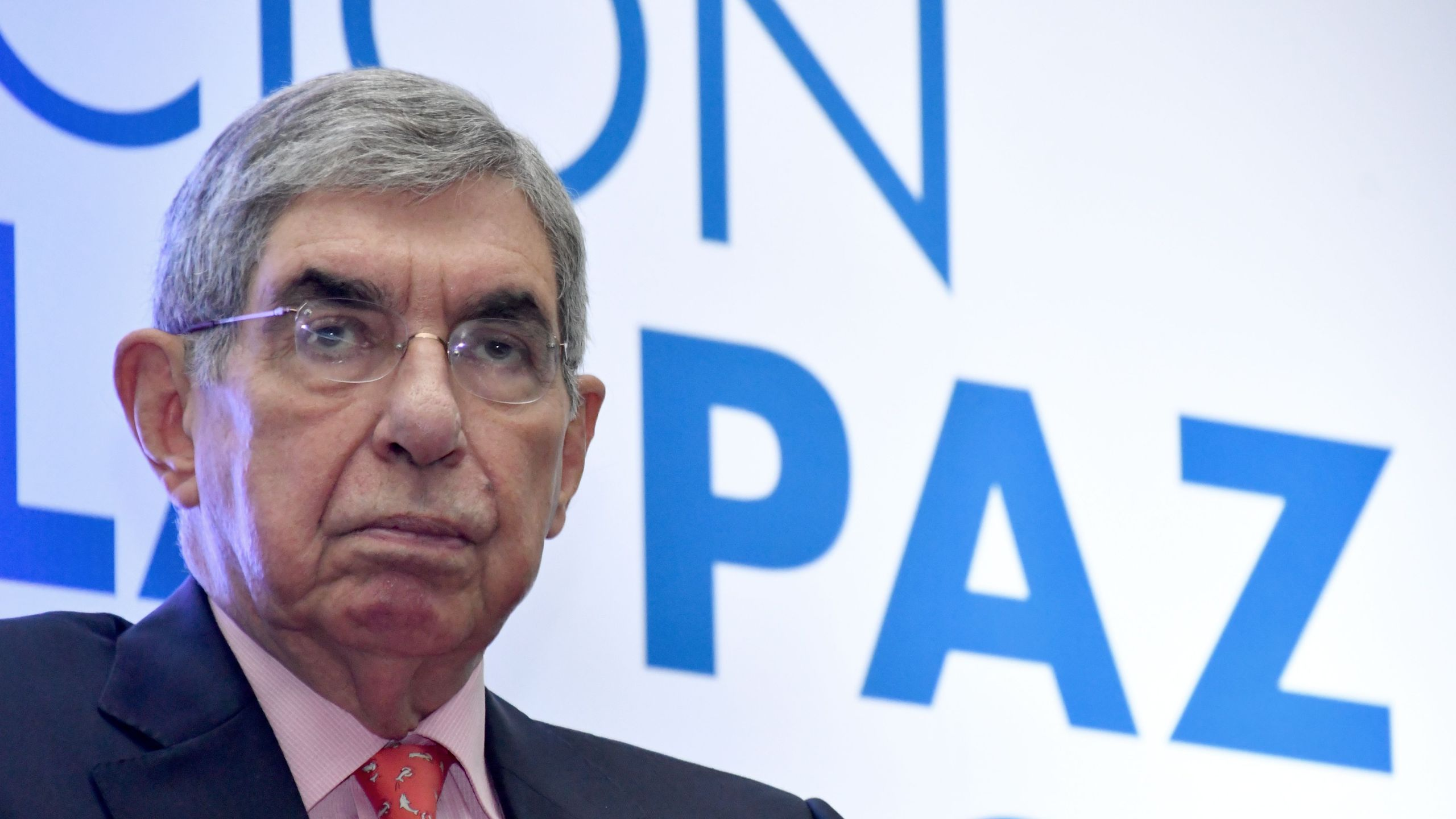 Former Costa Rican president and Nobel Peace Prize-winner Oscar Arias Sanchez, attends the closing ceremony of the Commemoration for the 30 years of the Central American Peace Accord in San Jose, Costa Rica on Aug. 11, 2017. (Credit: EZEQUIEL BECERRA/AFP/Getty Images)
