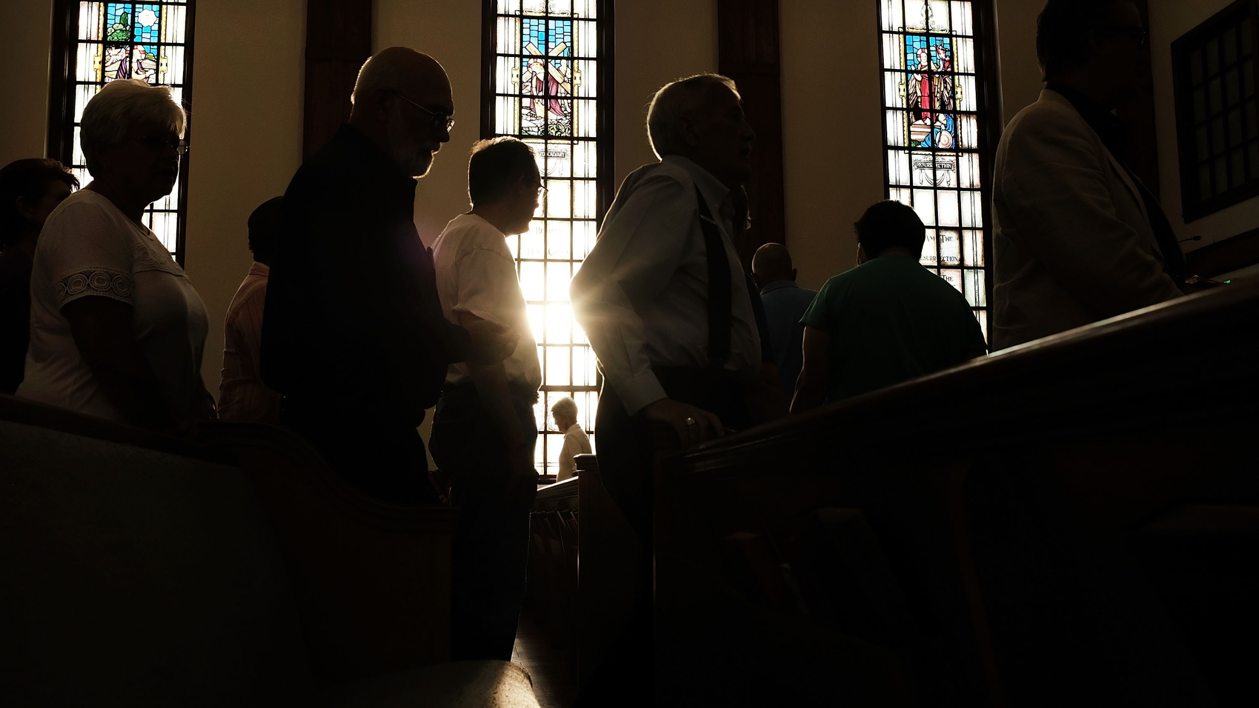 Knoxville residents participate in a service of prayers and hymns for peace in advance of a planned white supremacist rally and counter-protest around a Confederate memorial monument on August 25, 2017 in Knoxville, Tennessee. (Credit: Spencer Platt/Getty Images)