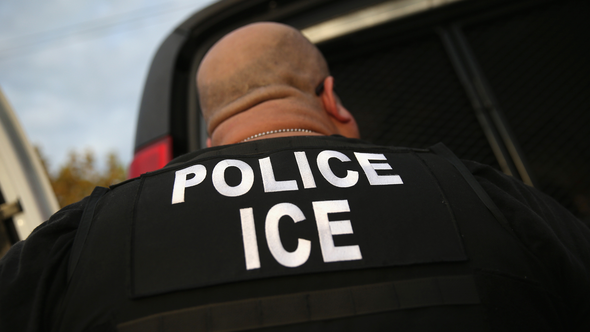 A U.S. Immigration and Customs Enforcement is seen in Los Angeles in this file photo. (Credit: John Moore/Getty Images)