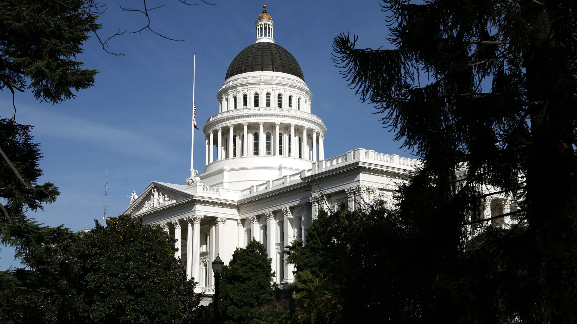 The California State Capitol is seen in a file photo. (Credit: Justin Sullivan/Getty Images)