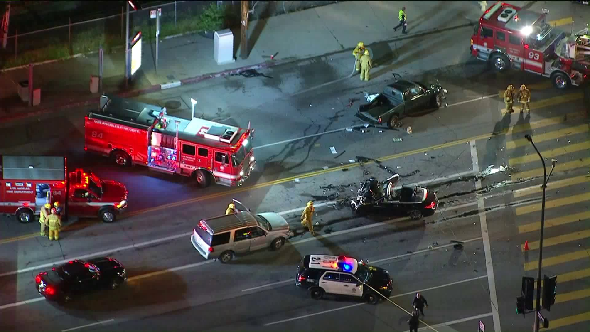 The scene after a fatal multi-vehicle wreck in Woodland Hills on March 29, 2019. (Credit: KTLA)