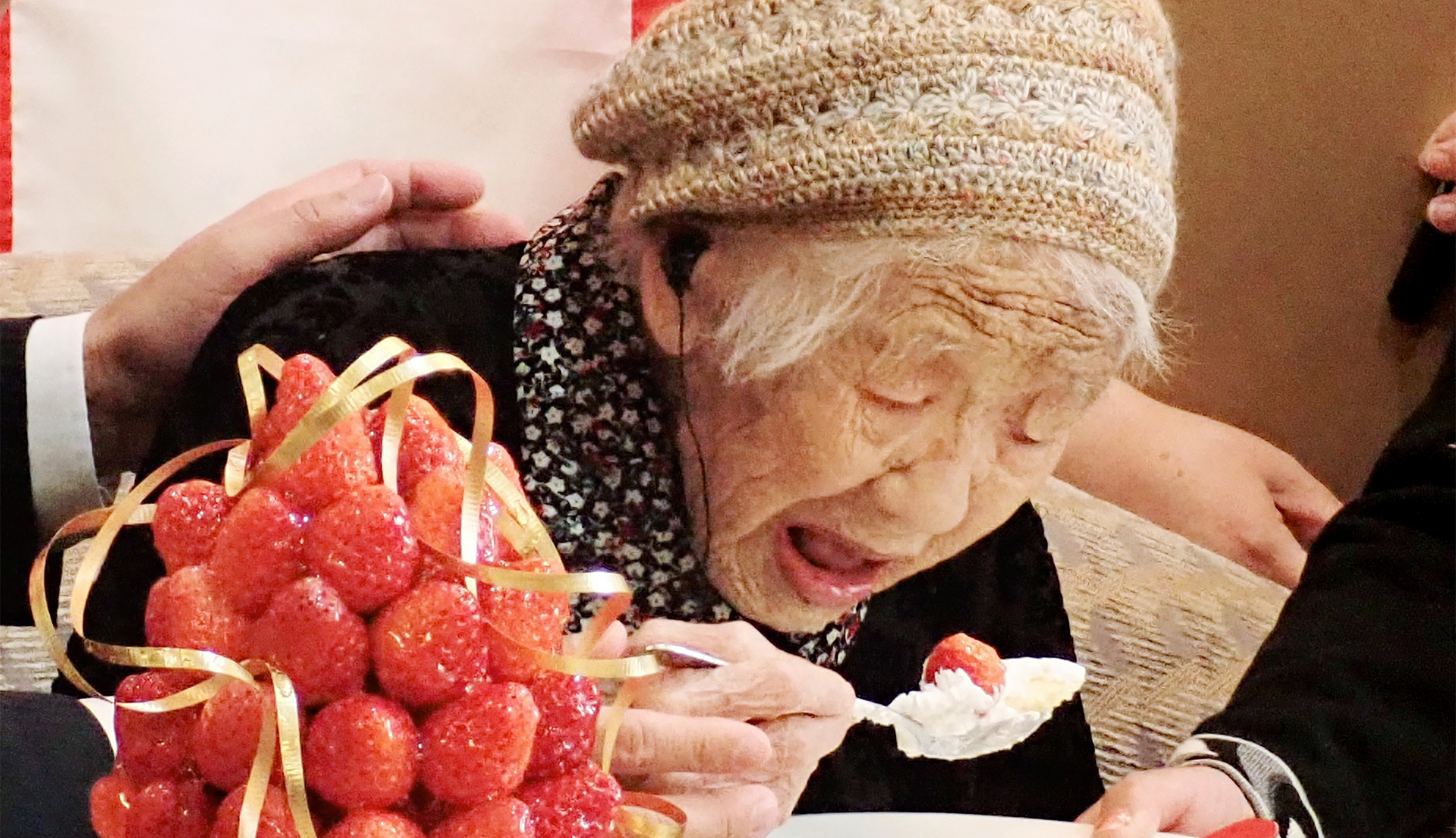 Kane Tanaka, a 116-year-old Japanese woman, celebrates with the official recognition of Guinness World Records' world's oldest verified living person in Fukuoka on March 9, 2019. (Credit: JIJI PRESS/AFP/Getty Images)