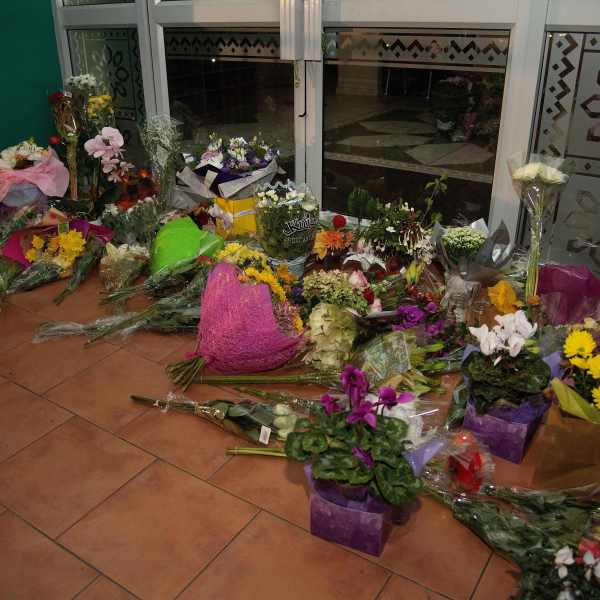 Flowers are placed on the front steps of the Wellington Masjid mosque in Kilbirnie in Wellington on March 15, 2019, after a shooting incident at two mosques in Christchurch. (Credit: MARTY MELVILLE/AFP/Getty Images)