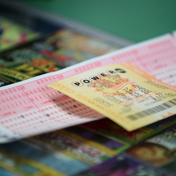 A Powerball ticket sits on the counter at Kavanagh Liquors on January 13, 2016 in San Lorenzo, California. (Credit: Justin Sullivan/Getty Images)