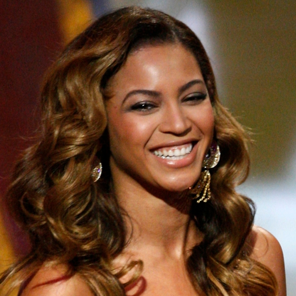 Singer Beyonce Knowles accepts the Outstanding Female Artist award during the 40th NAACP Image Awards held at the Shrine Auditorium on Feb. 12, 2009 in Los Angeles. (Credit: Vince Bucci/Getty Images for NAACP)