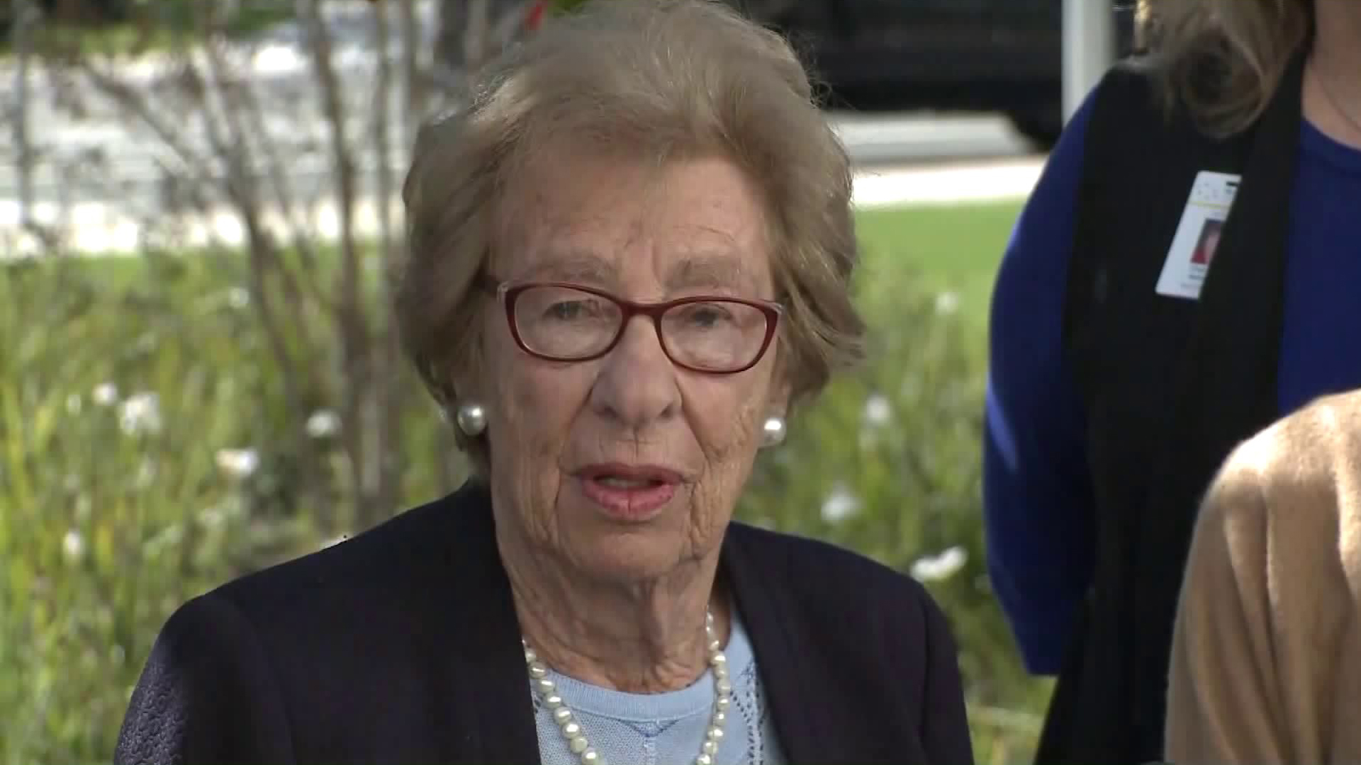 Eva Schloss, the stepsister of Anne Frank and a Holocaust survivor, speaks after meeting with Newport Beach high school students following a Nazi-themed party scandal on March 7, 2019. (Credit: KTLA)