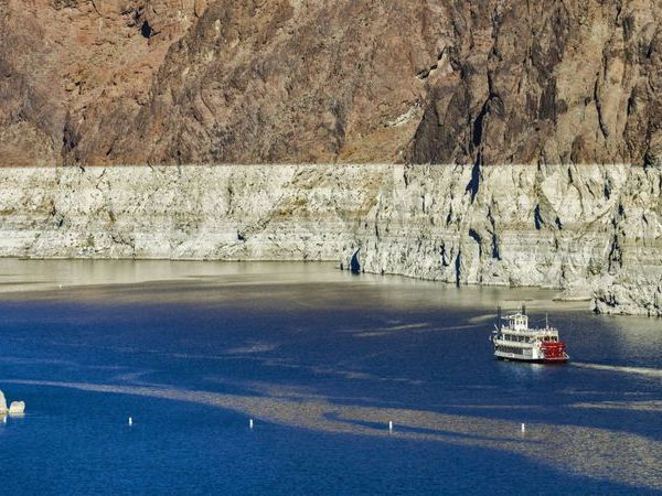 Nearly two decades of drought on the Colorado River have dramatically lowered levels of Lake Mead, which stores water for California, Arizona and Nevada. (Credit: Irfan Khan / Los Angeles Times)