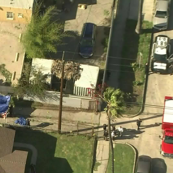Los Angeles police respond to a fatal shooting in Leimert Park on March 27, 2019. (Credit: KTLA)