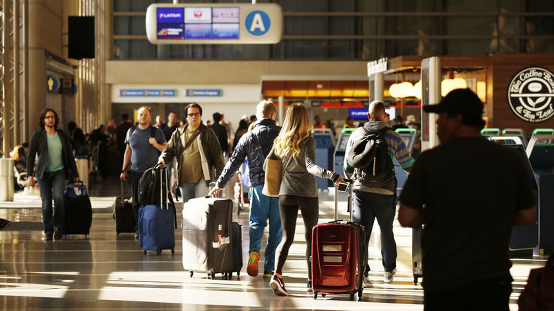 Around 300 people including law enforcement officers and volunteers will take place in an active shooter drill inside Terminal 4 of the Los Angeles International Airport on Tuesday and Wednesday, federal authorities said. (Credit: Al Seib / Los Angeles Times)