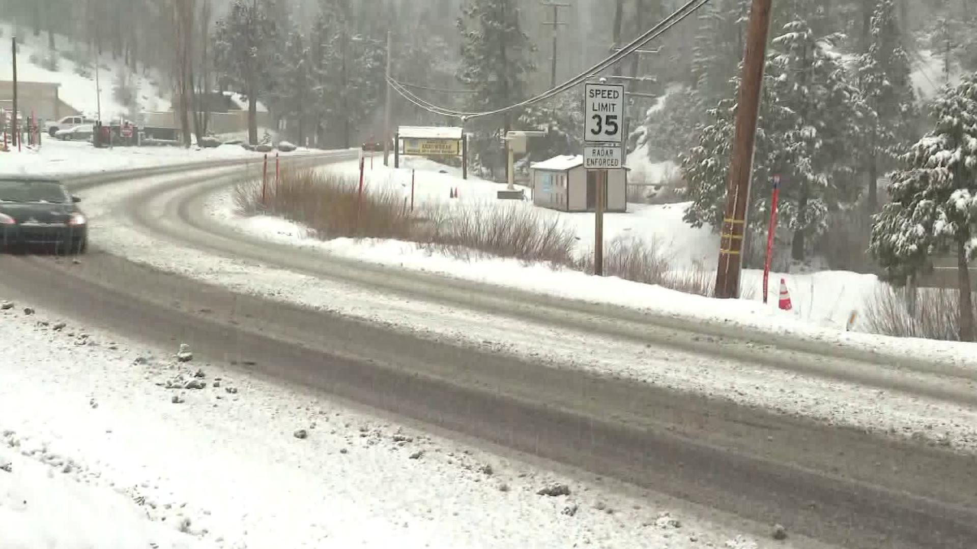 Snow is seen in Running Springs on March 21, 2019. (Credit: KTLA)
