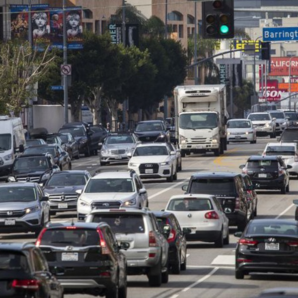 A study released Thursday found that charging drivers $4 to enter a 4.3-square-mile area of the Westside, including part of the Wilshire corridor, could reduce traffic delays by 24% during peak periods. (Credit: Allen J. Schaben / Los Angeles Times)