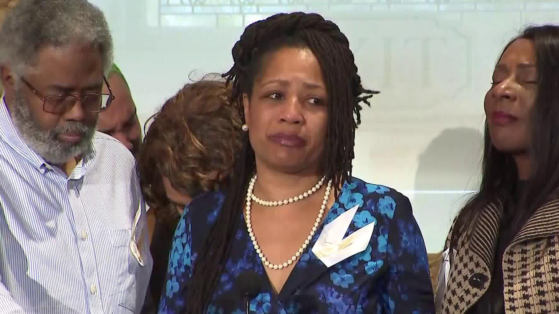 Lynette McElhaney speaks at a news conference at the University of Southern California on March 12, 2019, days after the fatal shooting of her son, Victor McElhaney, at a nearby strip mall. (Credit: KTLA)