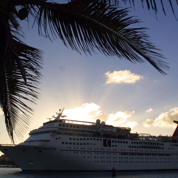 The Carnival Corp. cruise ship Fascination sets sail December 17, 2001 in Miami, Florida. (Credit: Joe Raedle/Getty Images)