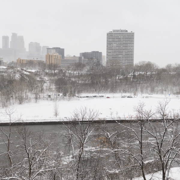 Snow covers downtown Minneapolis and the Mississippi River on April 11, 2019, in Minnesota.(Credit: Stephen Maturen/Getty Images)