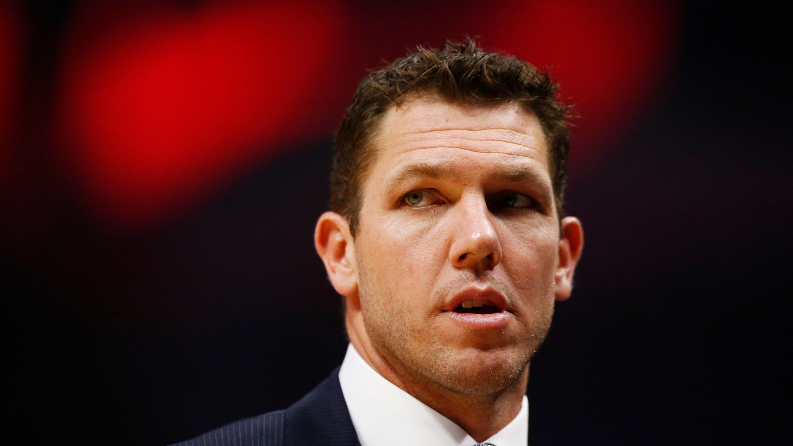 Los Angeles Lakers coach Luke Walton looks on during the first half of the game against the L.A. Clippers at Staples Center on April 5, 2019. (Credit: Yong Teck Lim / Getty Images)