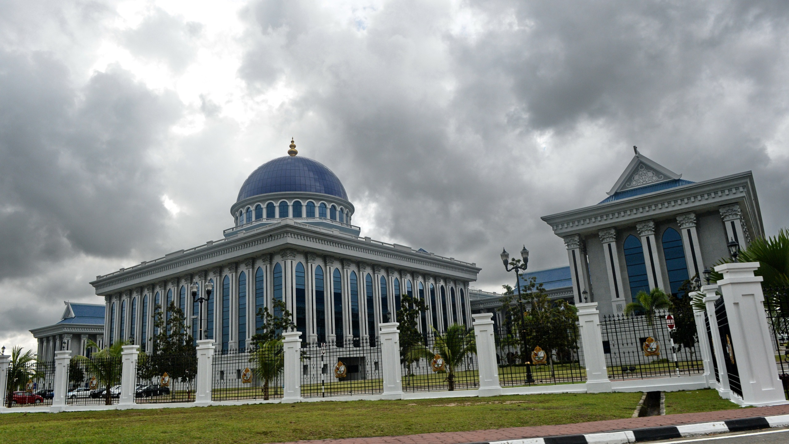 A Brunei parliament building is seen in the capital city Bandar Seri Begawan on April 26, 2013. (Credit: ROSLAN RAHMAN/AFP/Getty Images)