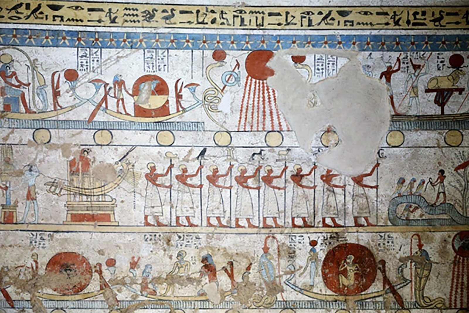 The Egyptian Ministry of Antiquities announced the discovery of a new tomb with preserved colored walls and dozens of mummified animals. (Credit: Egyptian Ministry of Antiquities)