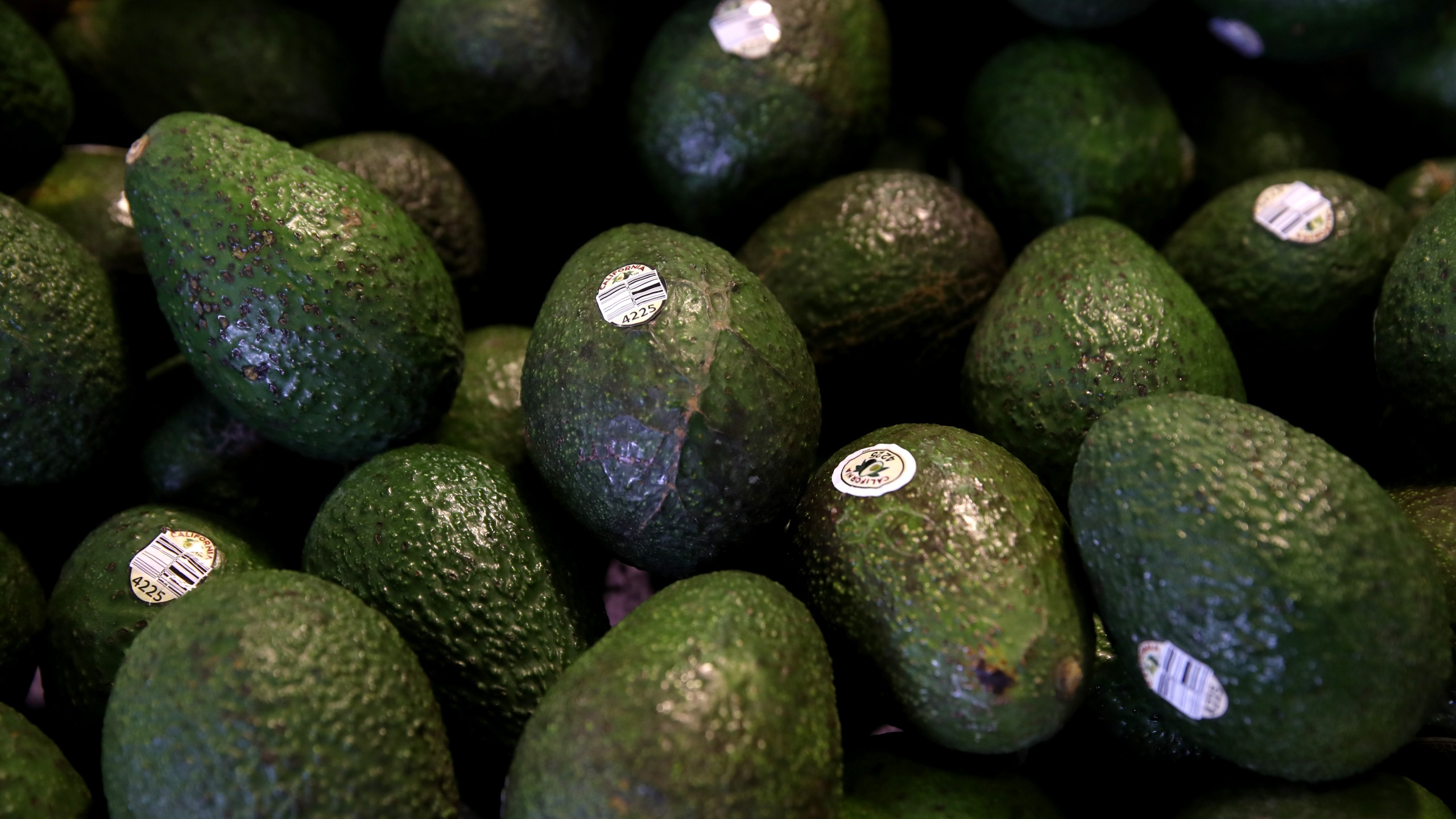 Avocados are displayed at a produce market on April 2, 2019, in San Francisco.(Credit: Justin Sullivan/Getty Images)