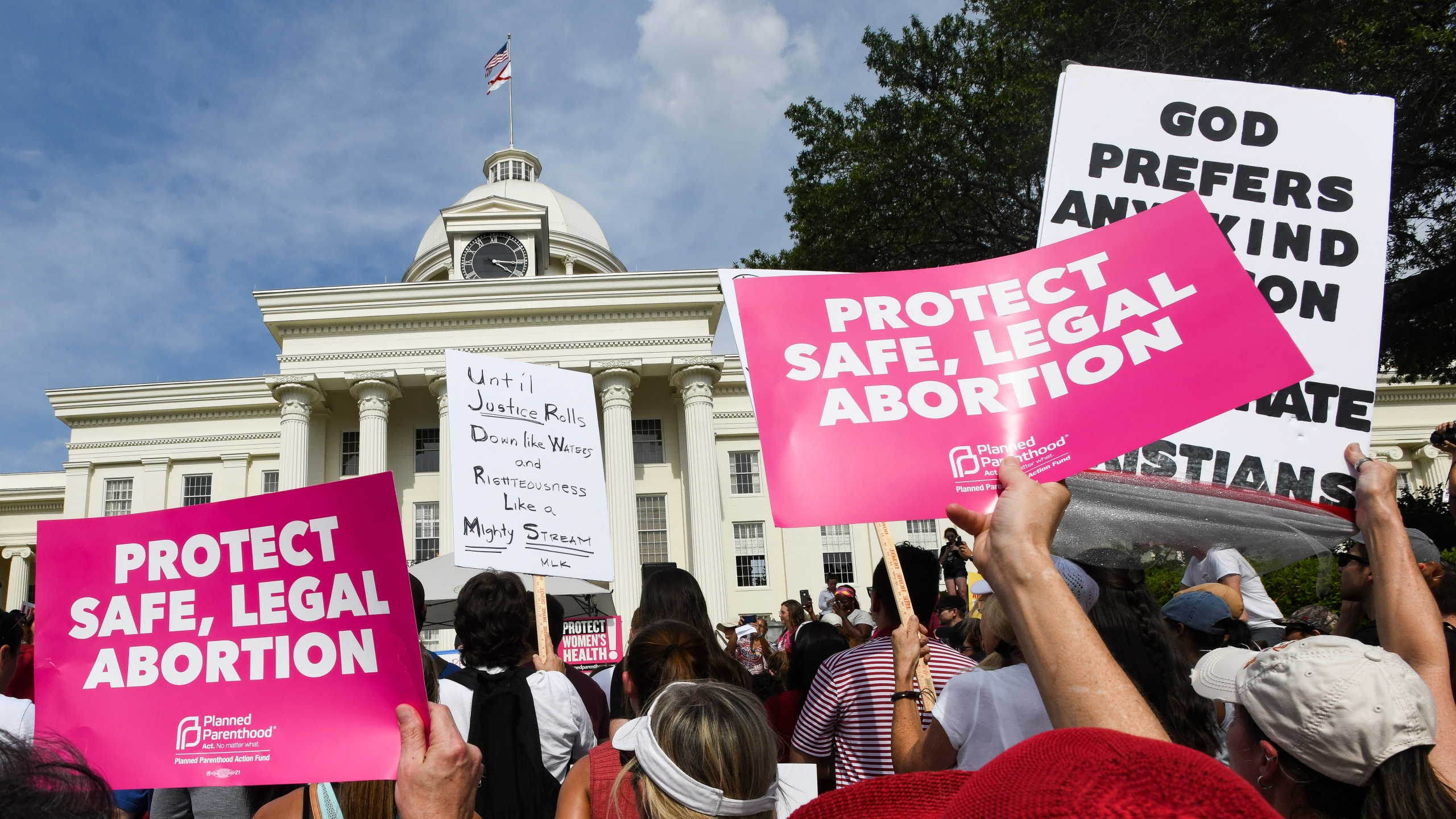 Protestors participate in a rally against Alabama's new abortion ban in front of the state capitol on May 19, 2019. (Credit: Julie Bennett/Getty Images)