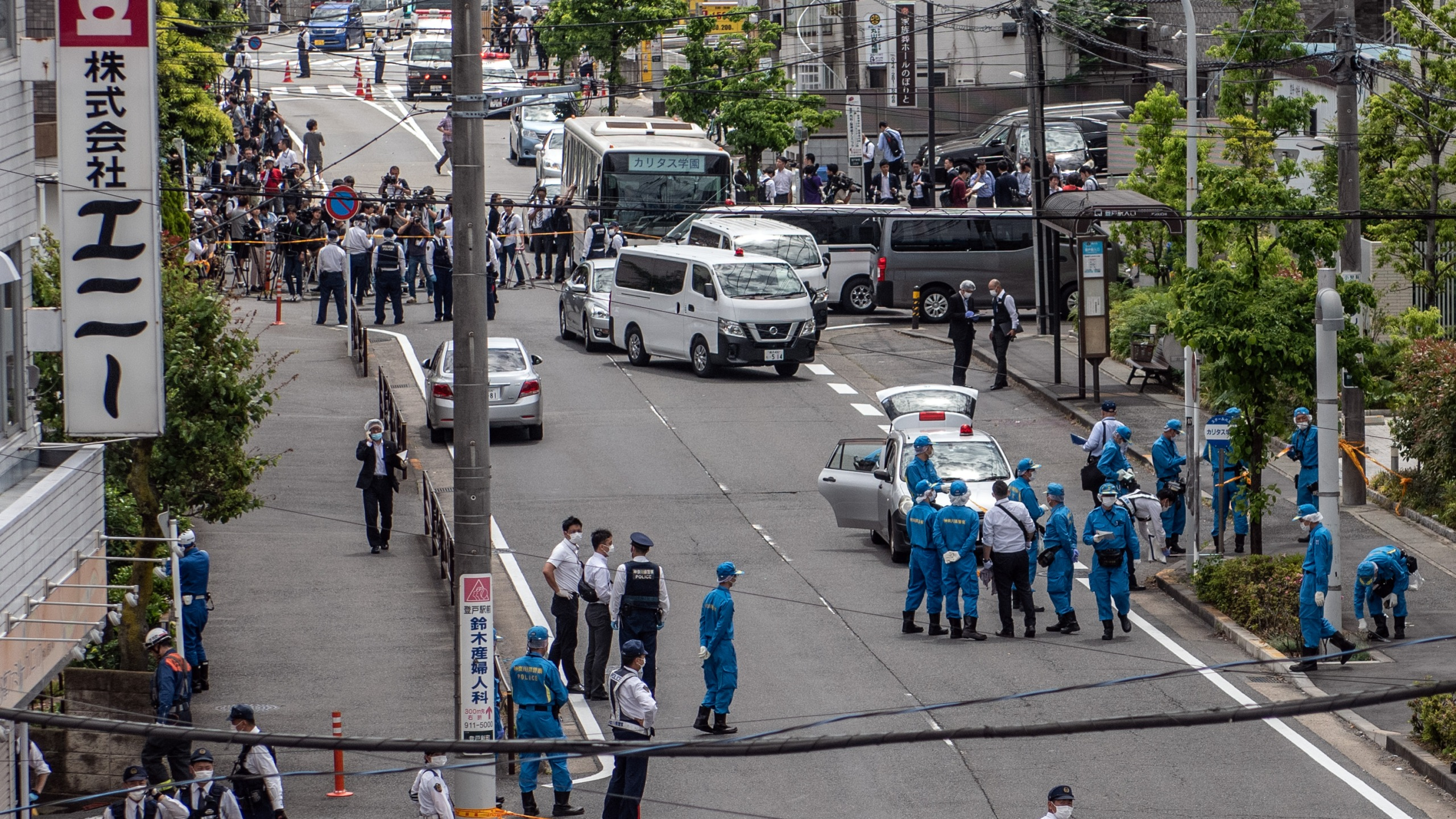 Police officers work at the scene of a mass stabbing in Kawasaki, Japan, on May 28, 2019. (Credit: Carl Court / Getty Images)