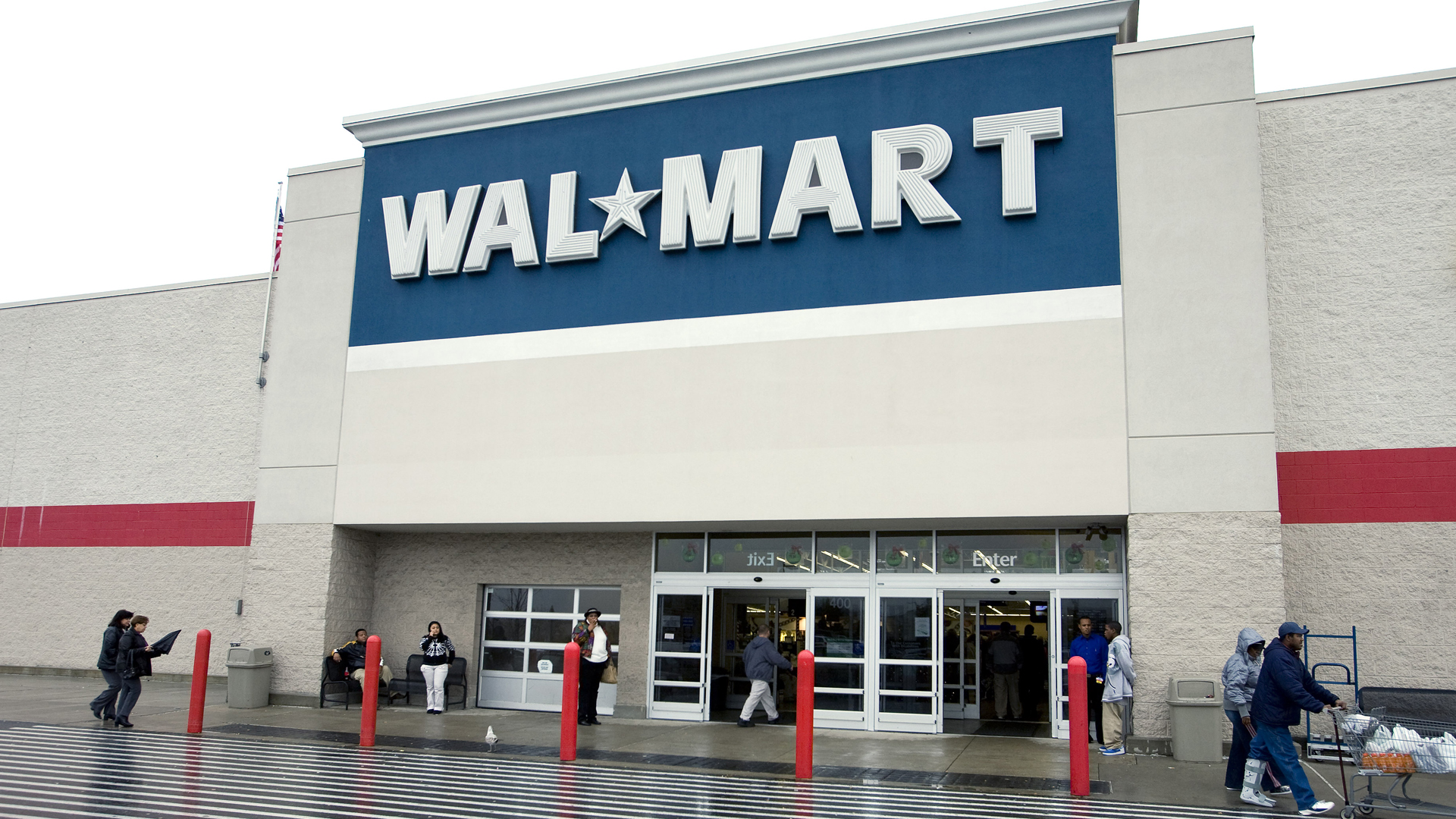 A Walmart in New Jersey is seen in this file photo from 2007. (Credit: Jeff Zelevansky/Getty Images