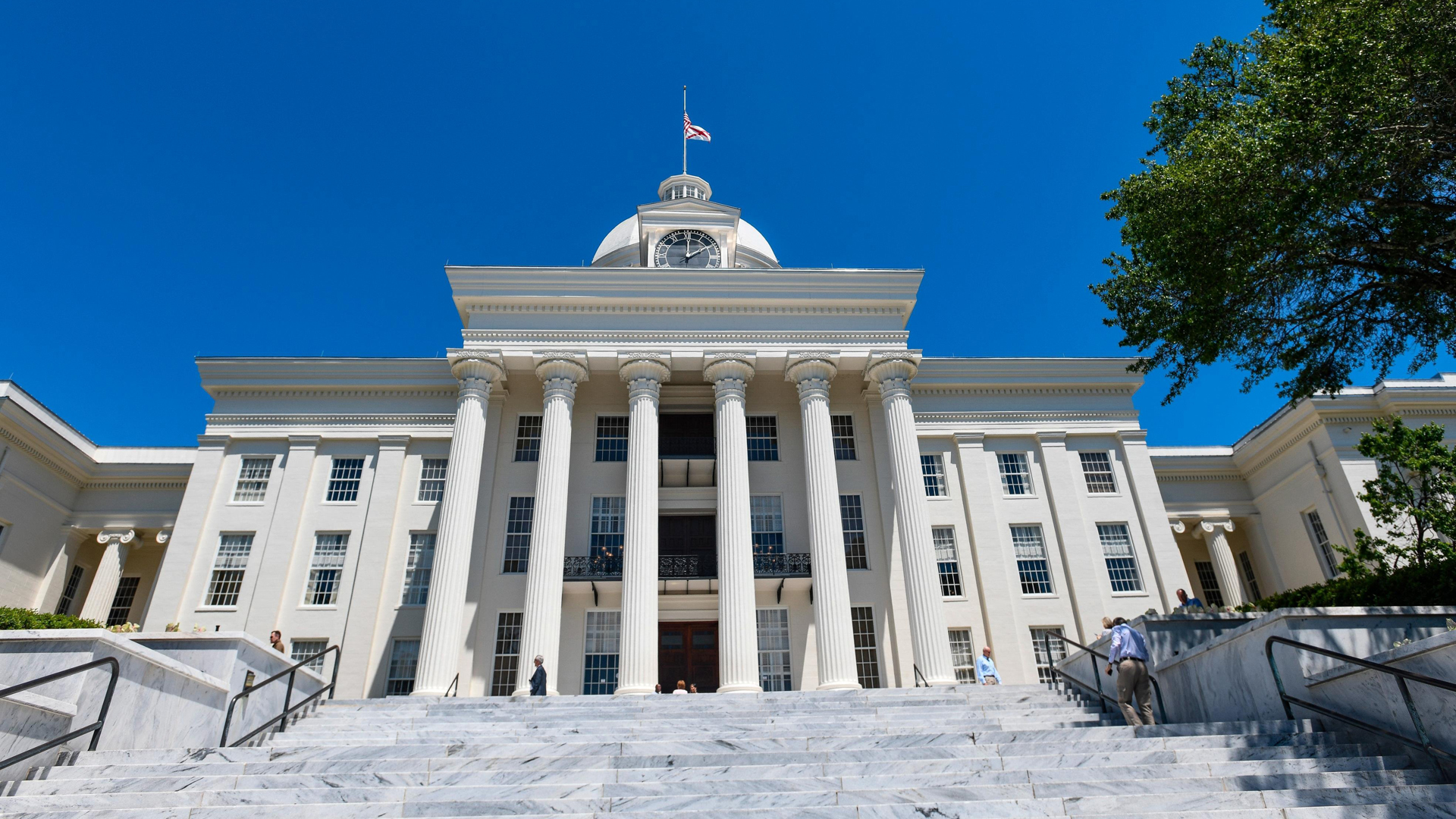 The Alabama State Capitol stands on May 15, 2019 in Montgomery, Alabama. (Credit: Julie Bennett/Getty Images)