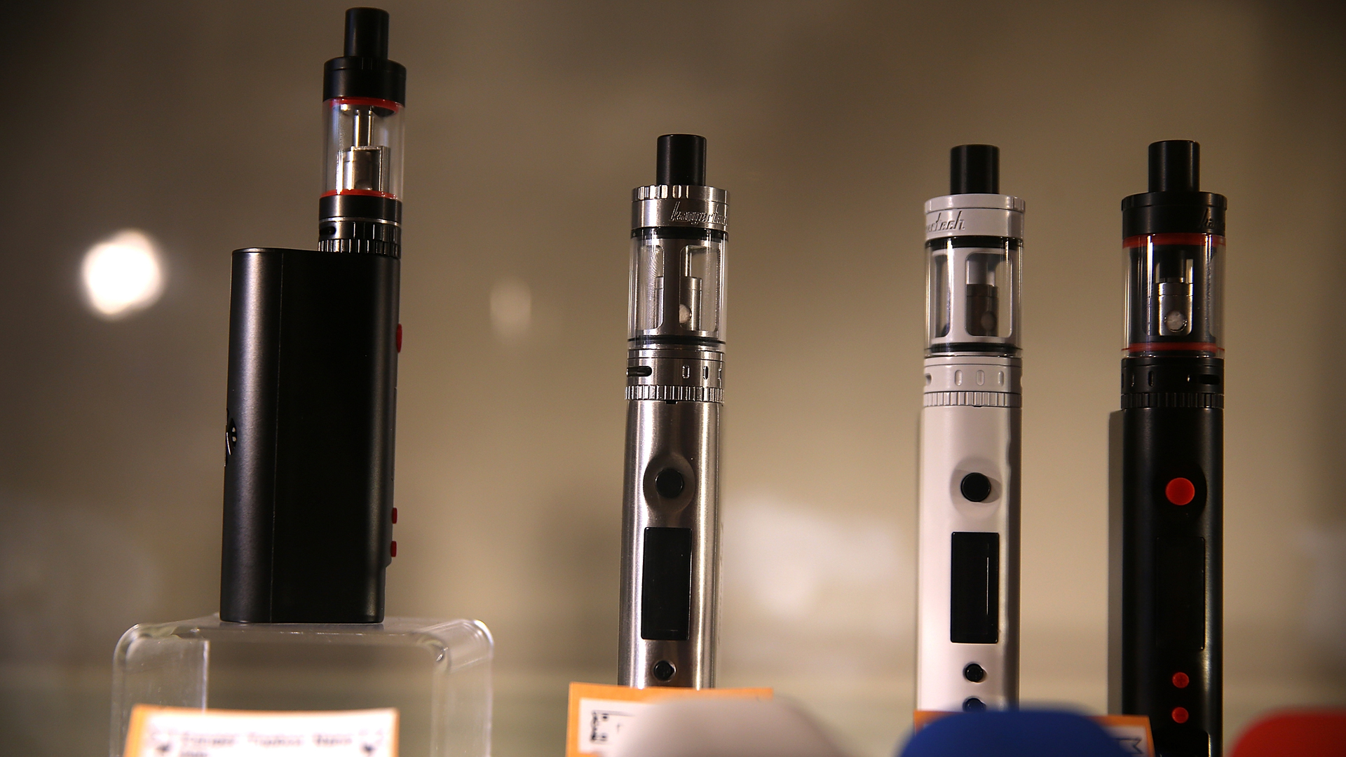 E-cigarettes are seen in a shop in San Francisco on May 5, 2016. (Credit: Justin Sullivan/Getty Images)