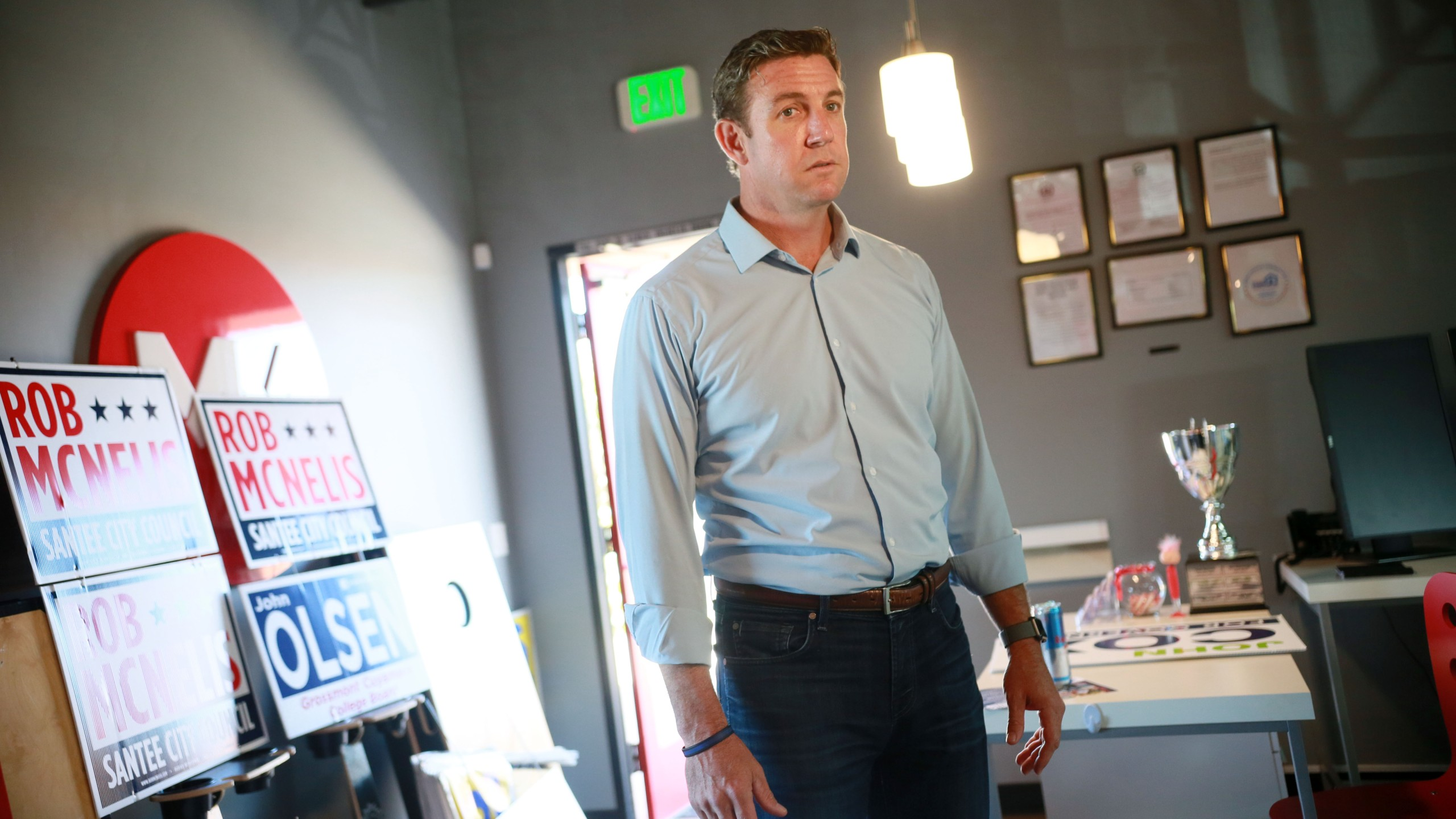 Rep. Duncan Hunter (R-CA) visits campaign staffers at one of his headquarters on Nov. 6, 2018 in Santee. (Credit: Sandy Huffaker/Getty Images)