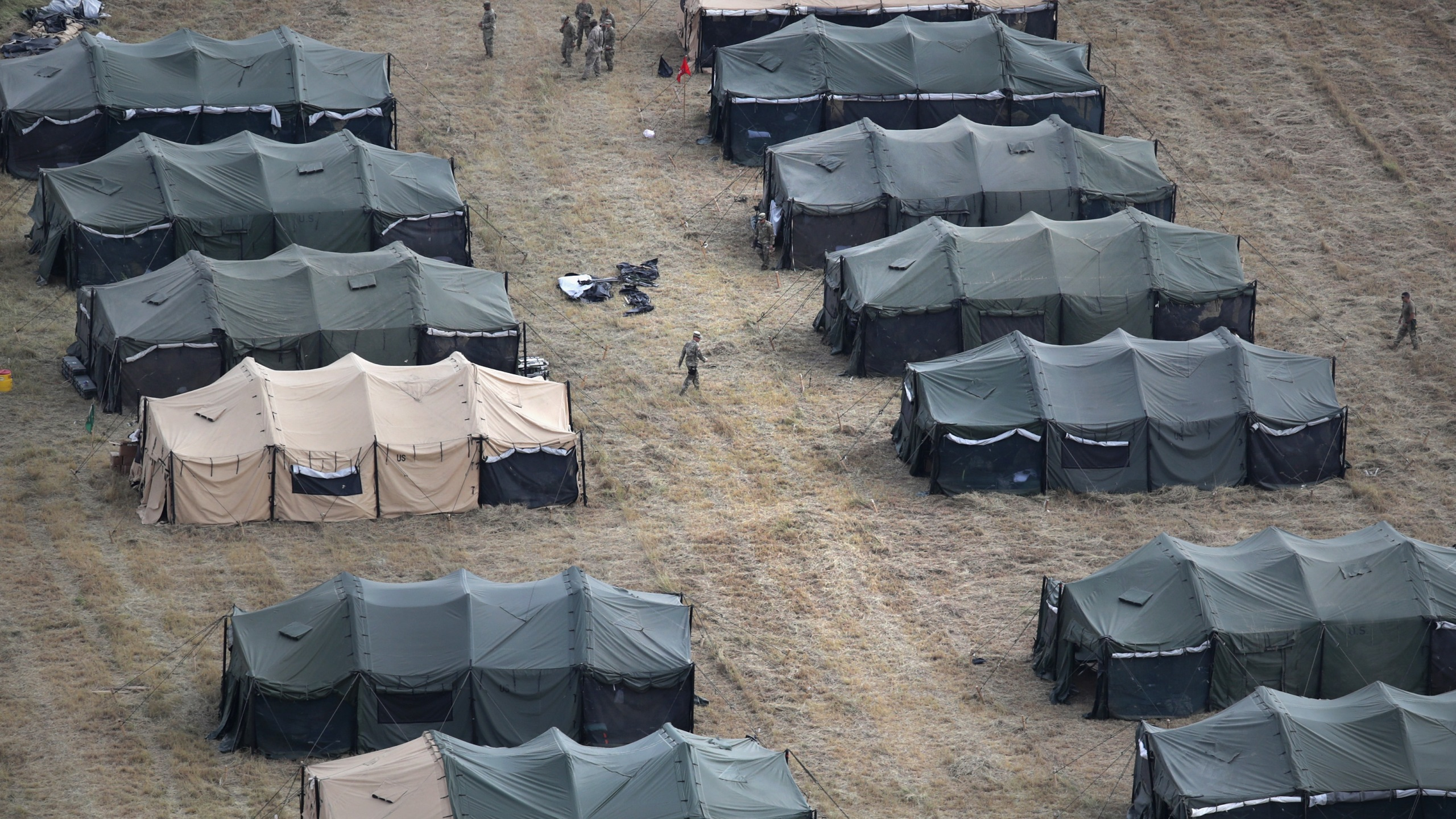U.S. Army tents stand at a new military camp under construction at the U.S.-Mexico border on Nov. 7, 2018, in Donna, Texas. (Credit: John Moore/Getty Images)