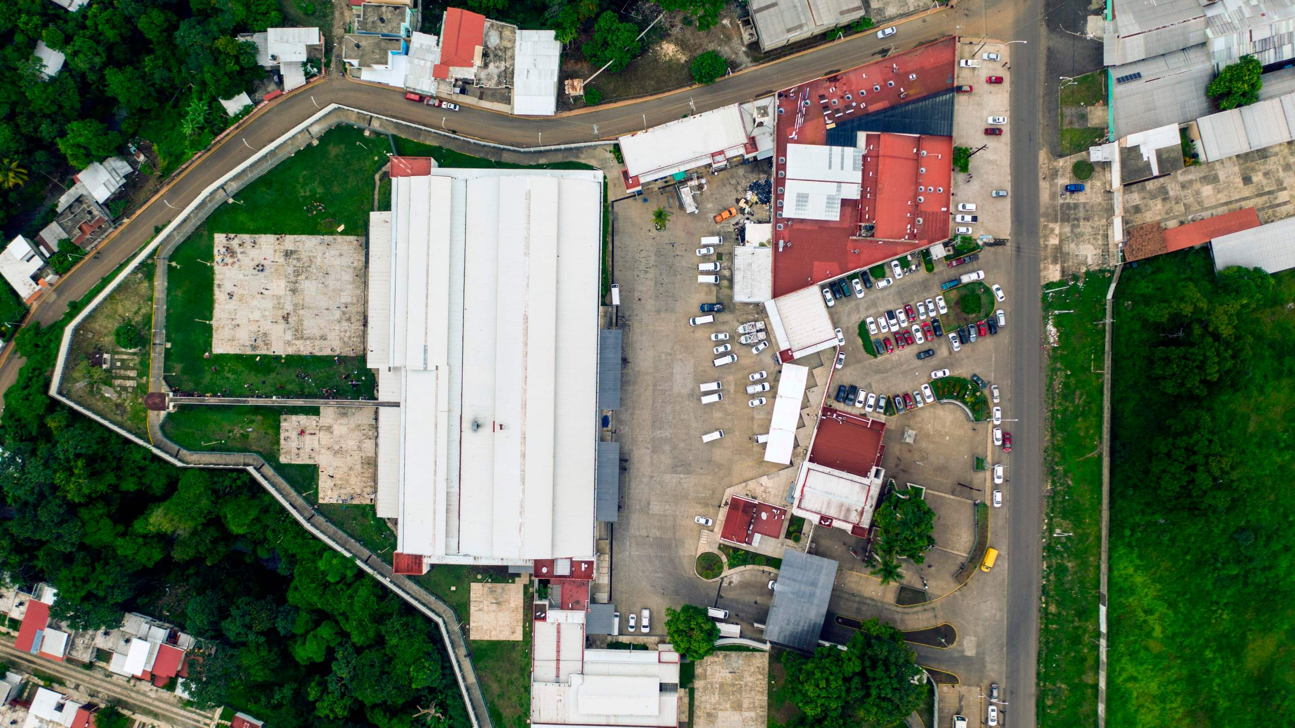 The Siglo XXI immigrant detention centre in Tapachula, Chiapas State, in southern Mexico, is seen from an aerial view on June 6, 2019. (Credit: PEDRO PARDO/AFP/Getty Images)
