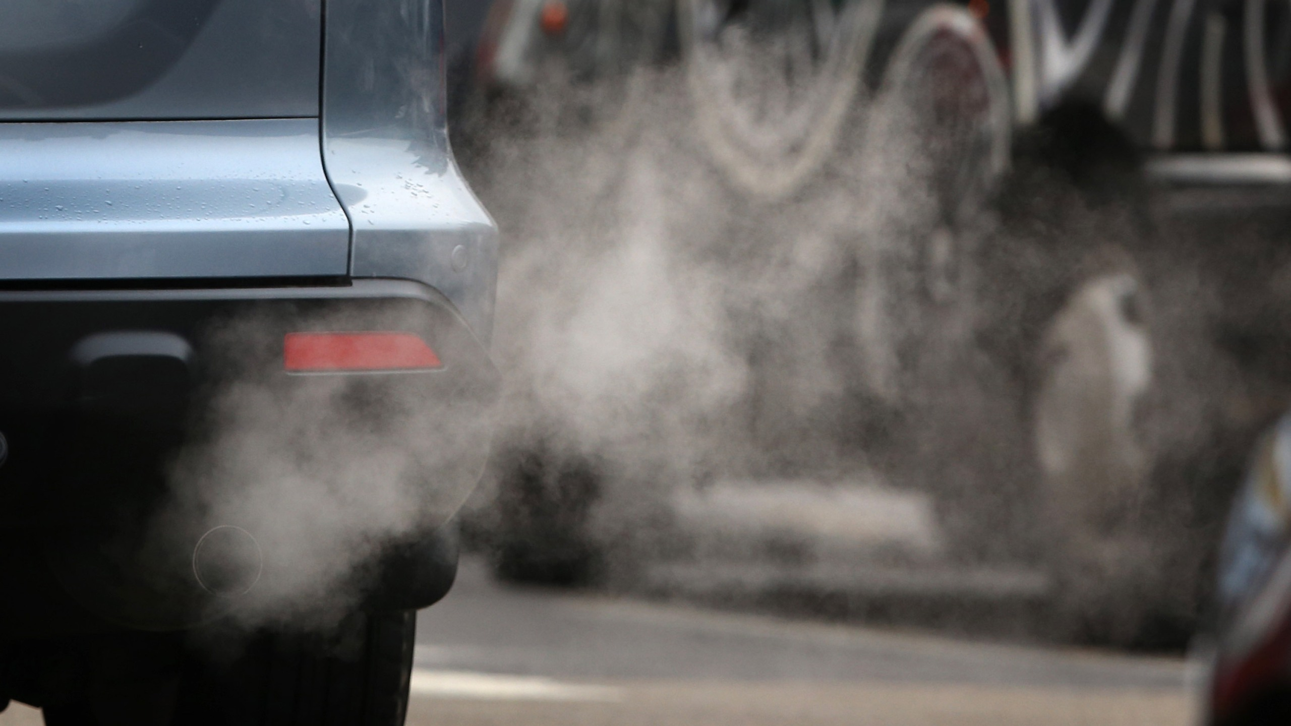 Exhaust fumes from a car in Putney High Street on January 10, 2013 in Putney, England. (Credit: Peter Macdiarmid/Getty Images)