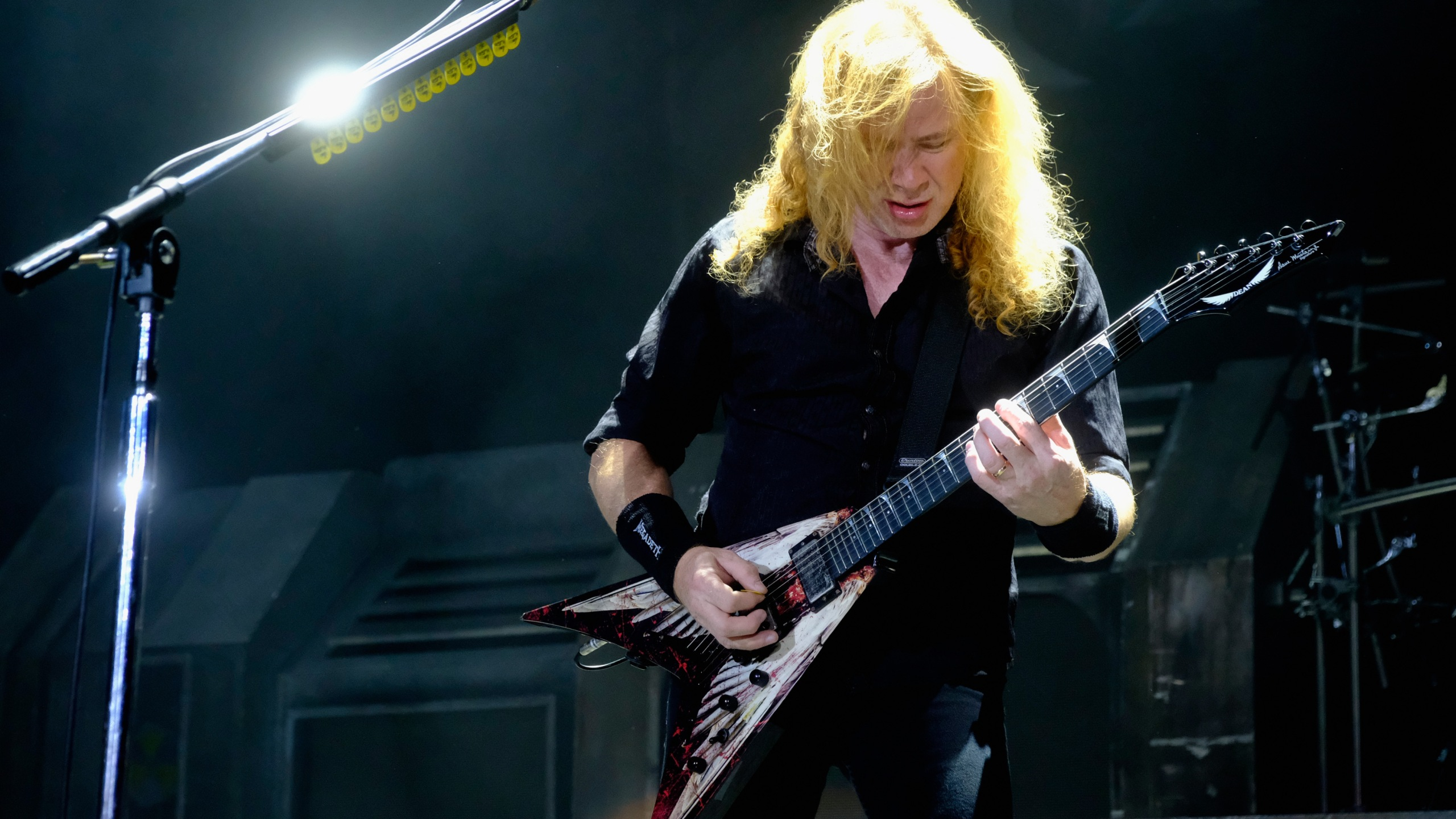 Dave Mustaine of Megadeath performs at Ozzfest at the San Manuel Amphitheater on September 24, 2016 in Los Angeles, California. (Photo by Frazer Harrison/Getty Images for ABA)
