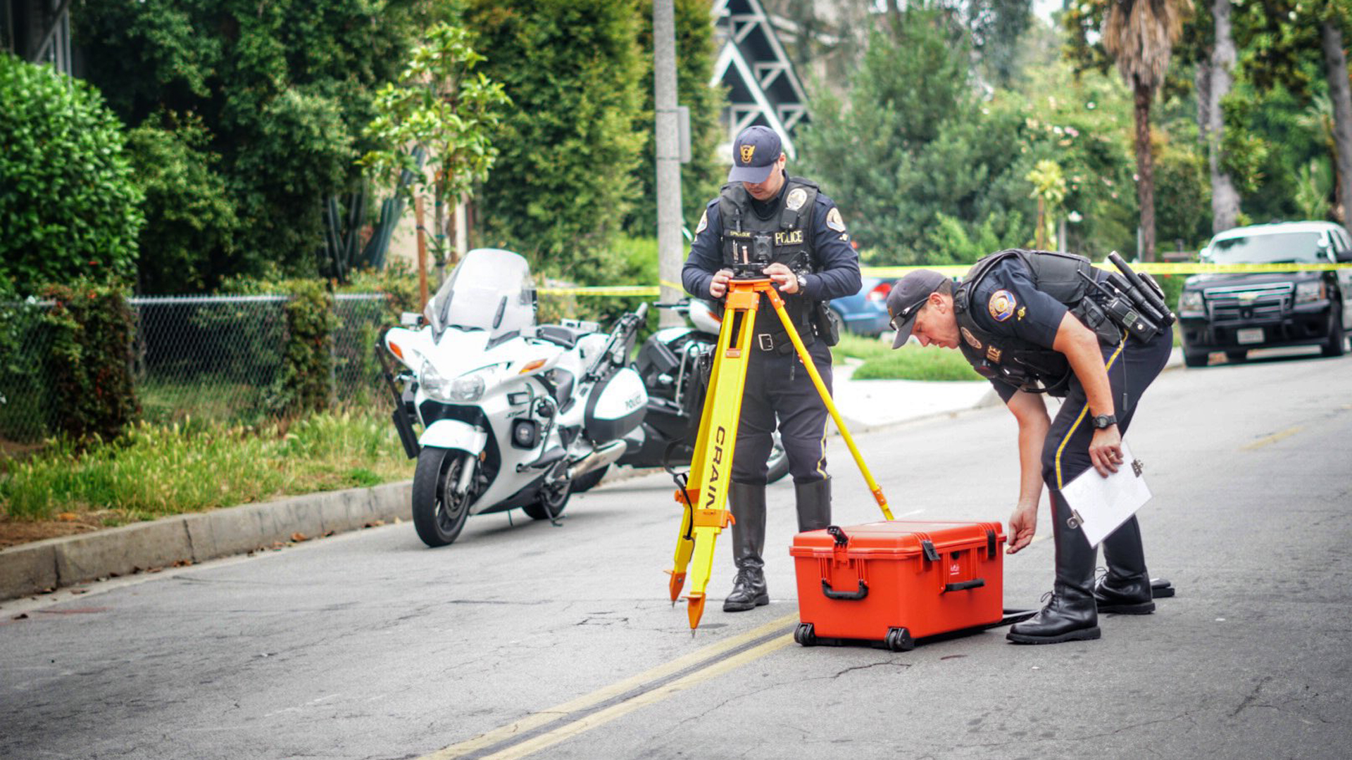 Police investigate the scene of a fatal car collision at El Molina Avenue and Villa Street in Pasadena on June 13, 2019. (Credit: Pasadena Police Department)
