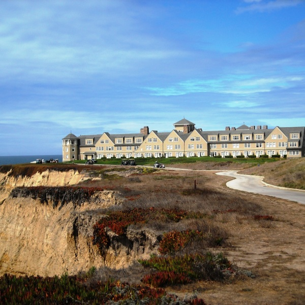 The Ritz-Carlton Hotel in Half Moon Bay is seen on Sept. 19, 2008. (Credit: Elisa Rolle / Wikimedia Commons)