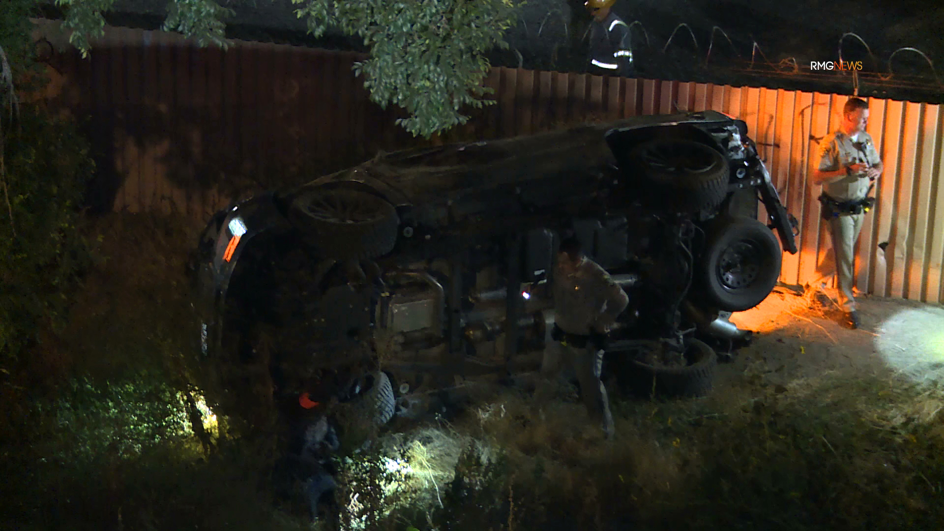 Authorities investigate a fatal crash along the 405 Freeway in Van Nuys on July 19, 2019. (Credit: RMG News)