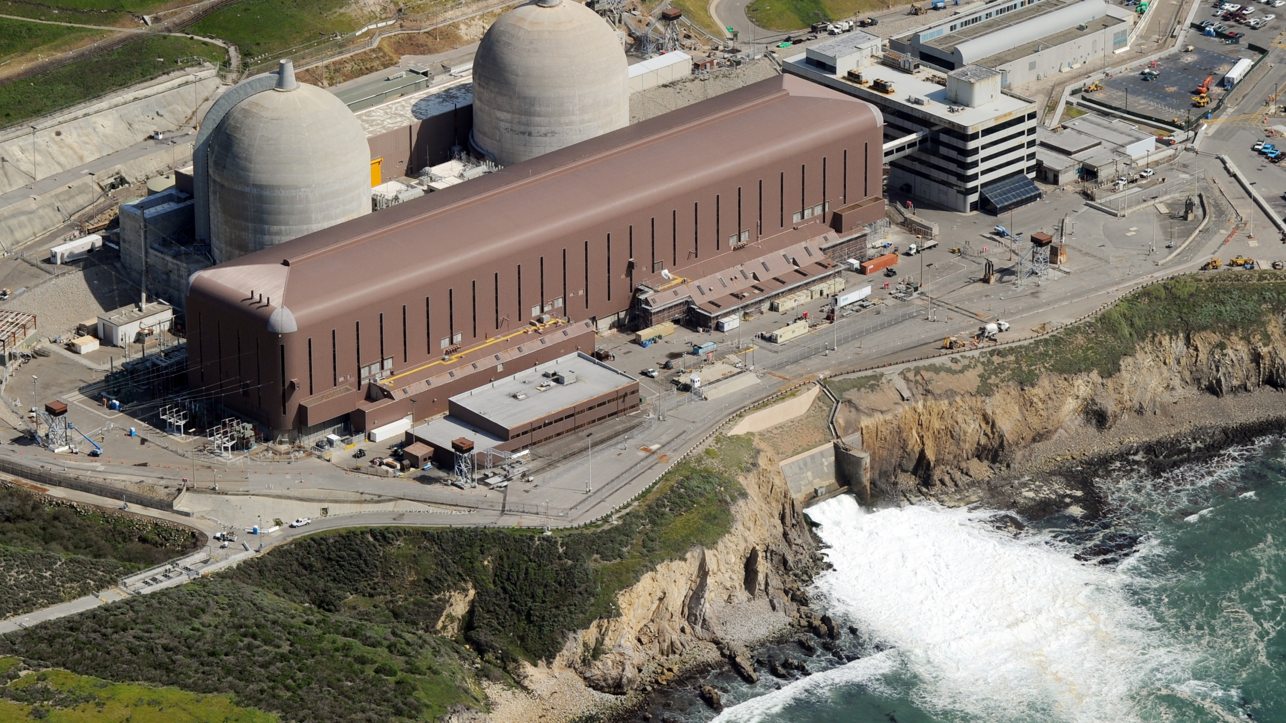 Aerial view of the Diablo Canyon Nuclear Power Plant which sits on the edge of the Pacific Ocean at Avila Beach in San Luis Obispo County, California on March 17, 2011. (Credit: MARK RALSTON/AFP/Getty Images)