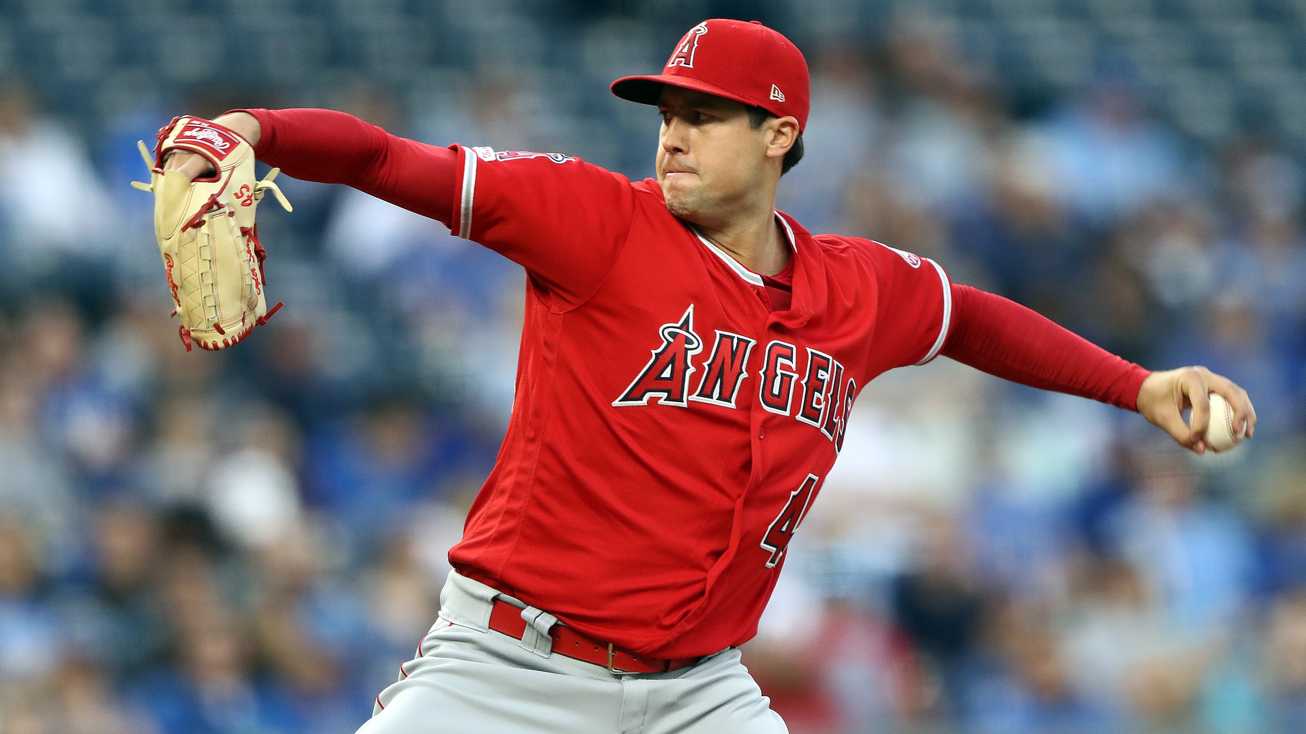 Starting pitcher Tyler Skaggs of the Los Angeles Angels pitches during the 1st inning of the game against the Kansas City Royals at Kauffman Stadium on April 26, 2019 in Kansas City, Missouri. (Credit: Jamie Squire/Getty Images)
