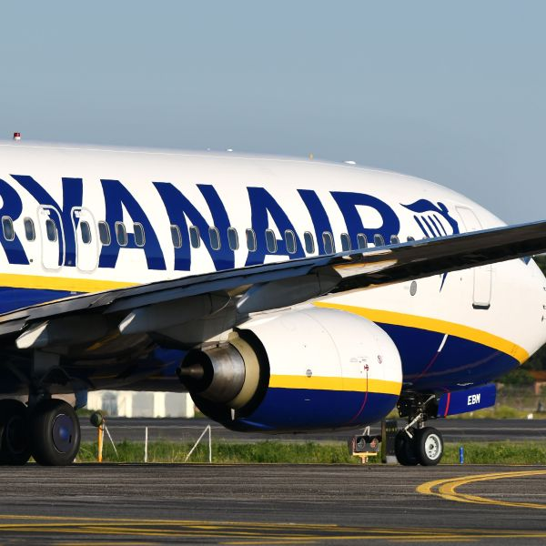 A Boeing 737 bearing the livery of Irish low-cost airline Ryanair taxies on the tarmac on its way to take off from Rome's Fiumicino airport on May 31, 2019. (Credit: ALBERTO PIZZOLI/AFP/Getty Images)