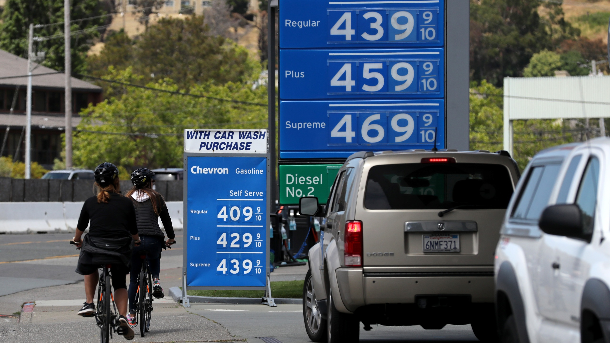 Gas prices over $4.00 a gallon are displayed at a gas station on May 24, 2019 in Mill Valley. (Credit: Justin Sullivan/Getty Images)