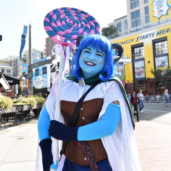 A cosplayer makes her way to the Convention Center during Comic Con in San Diego on July 18, 2019. (Credit: Chris Delmas/AFP/Getty Images)