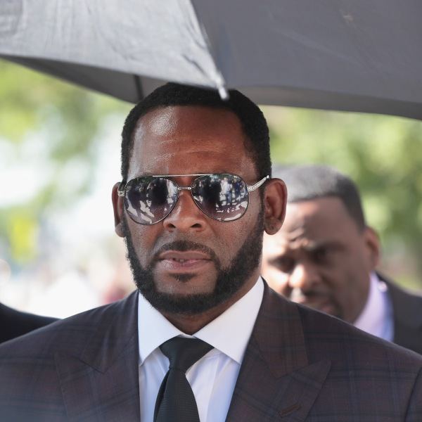 R. Kelly leaves the Leighton Criminal Courts Building following a hearing on June 26, 2019 in Chicago. (Credit: Scott Olson/Getty Images)