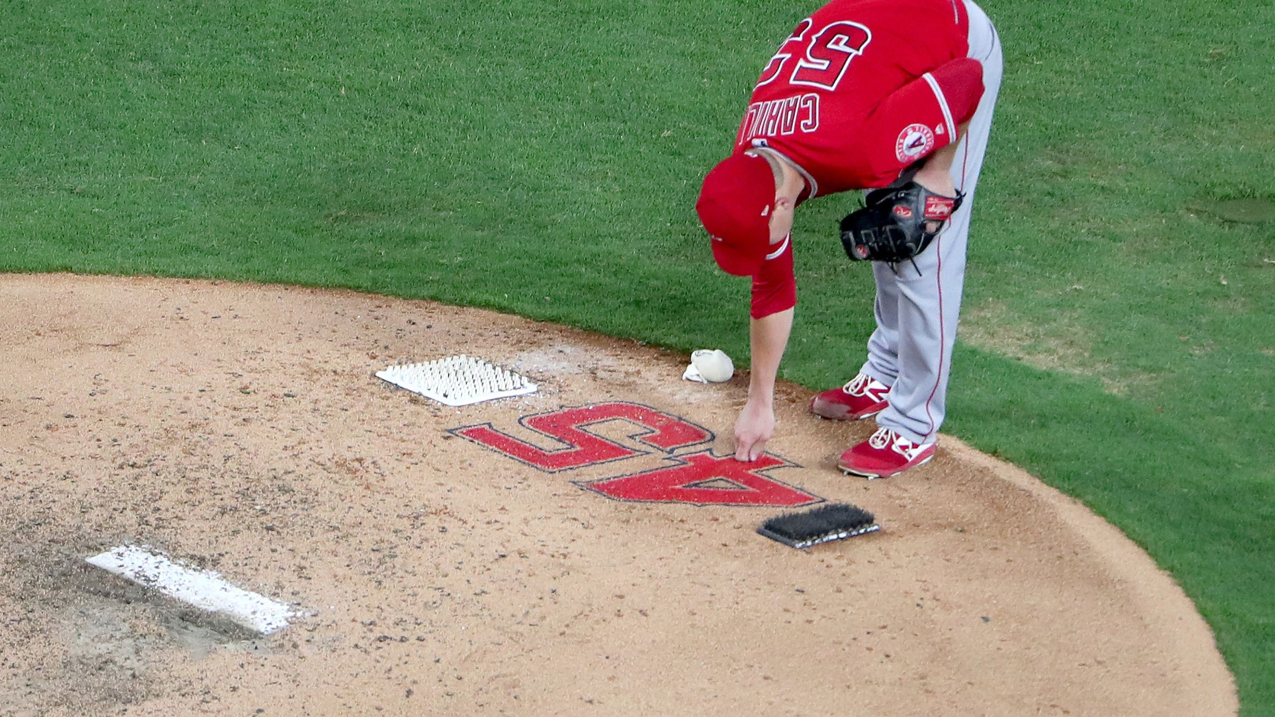 Trevor Cahill of the Los Angeles Angels takes the mound against the Texas Rangers in Arlington, Texas, on July 2, 2019. (Credit: Tom Pennington / Getty Images)