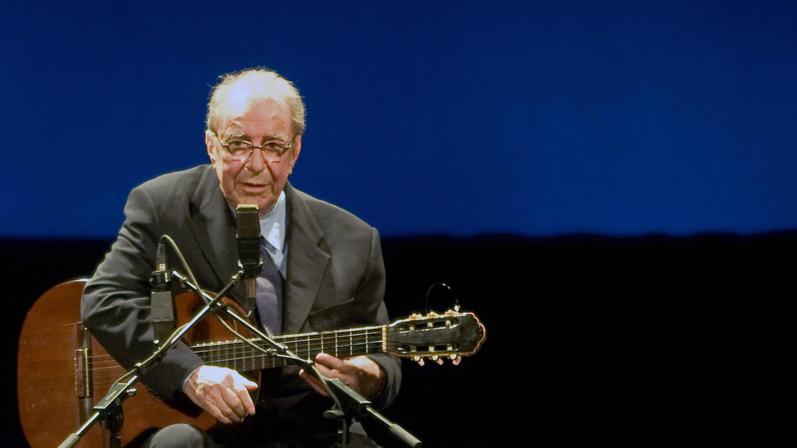 Brazilian musician Joao Gilberto, 77, is seen on Aug. 24, 2008, at the Teatro Municipal in Rio de Janeiro. (Credit: Ari Versiani/AFP/Getty Images)