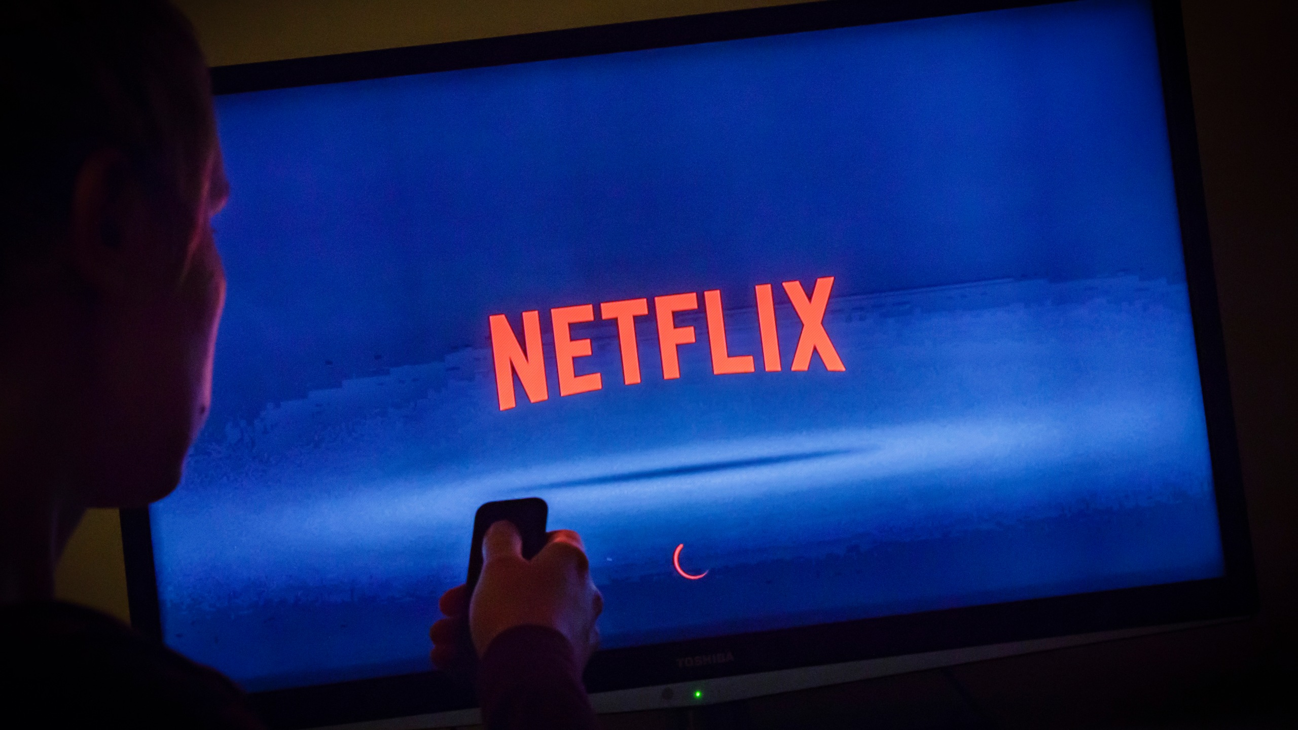 The Netflix logo can be seen on a TV on April 5, 2018. (Thomas Trutschel/Photothek via Getty Images)