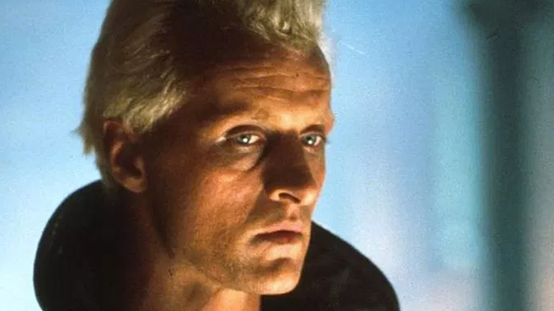 """Actor Rutger Hauer is seen in the 1982 film """"Blade Runner."""" (Credit: The Ladd Company)"""