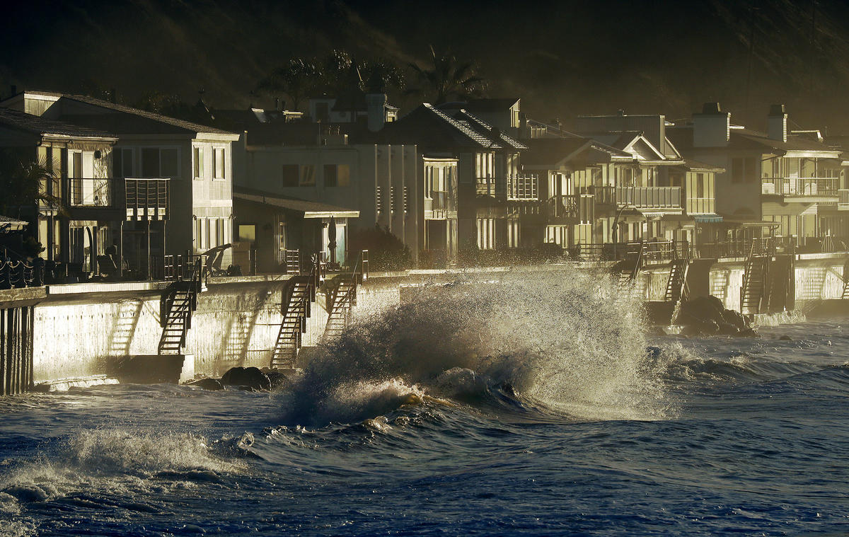 High surf pummels homes along Faria Beach in Ventura County in an undated photo. (Credit: Al Seib / Los Angeles Times)