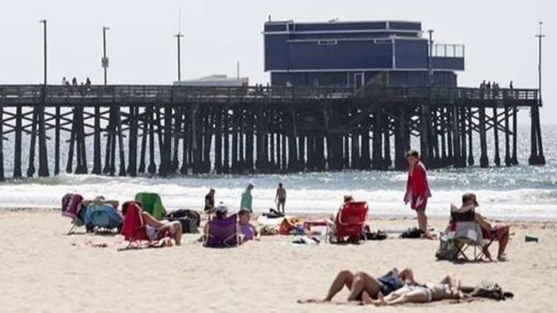 A body was recovered on July 9, 2019, in the water between 24th and 28th streets in Newport Beach, authorities said. (Credit: Los Angeles Times)
