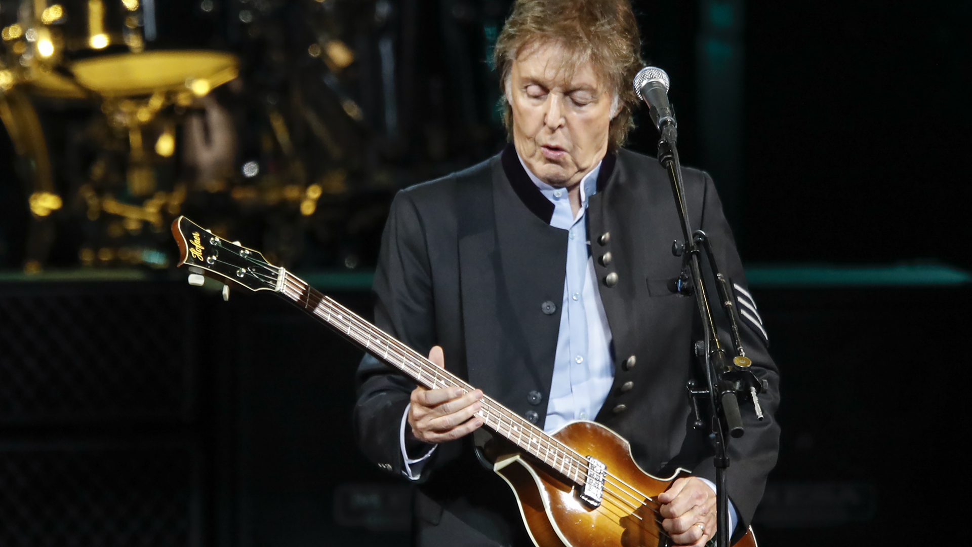 Sir Paul McCartney performs in concert during his One on One tour at Hollywood Casino Amphitheatre on July 26, 2017 in Tinley Park, Illinois. (Credit: KAMIL KRZACZYNSKI/AFP/Getty Images)