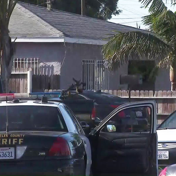 Authorities investigate a shooting in South Los Angeles on July 1, 2019. (Credit: KTLA)
